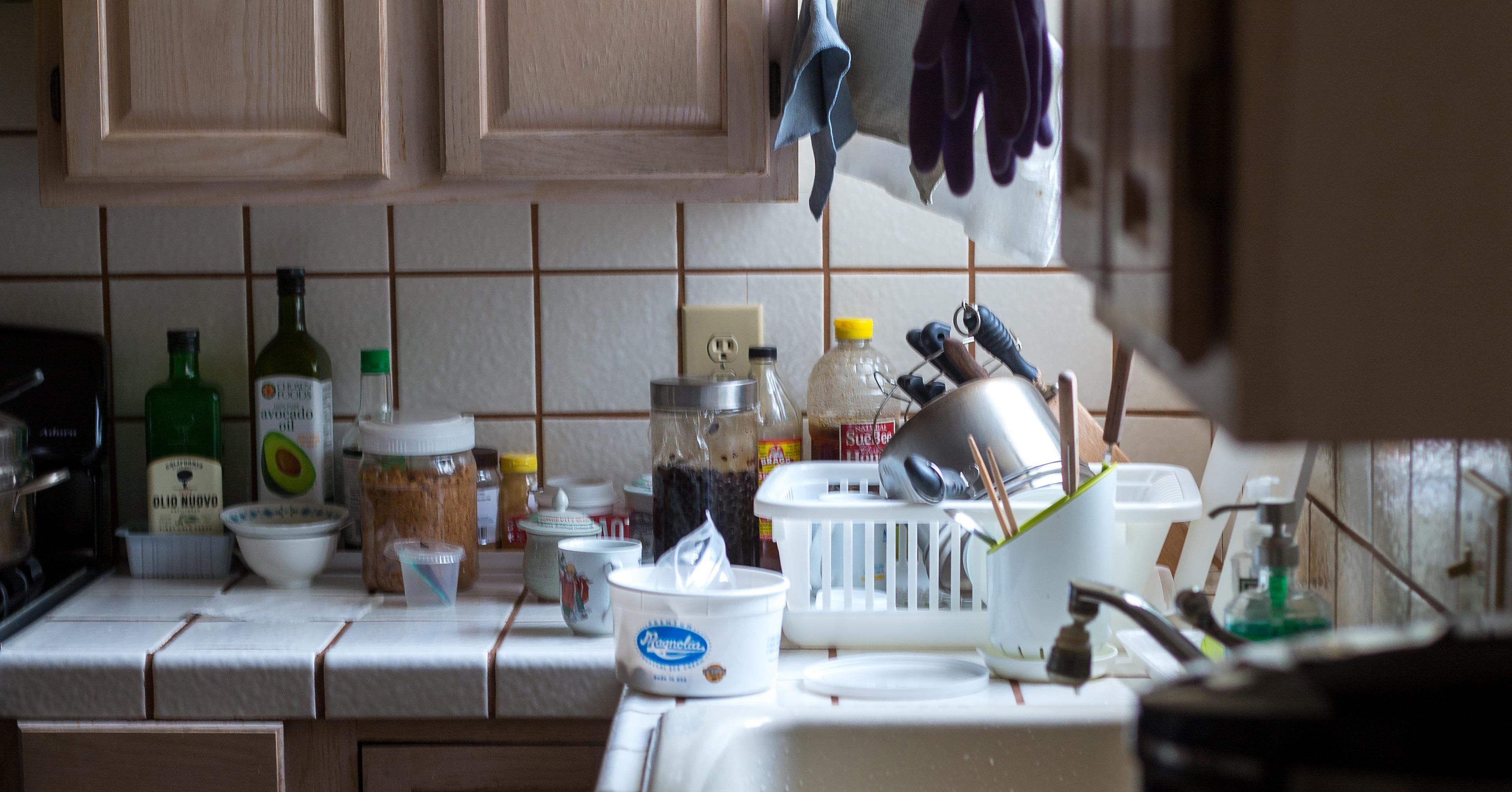 kitchen_clutter